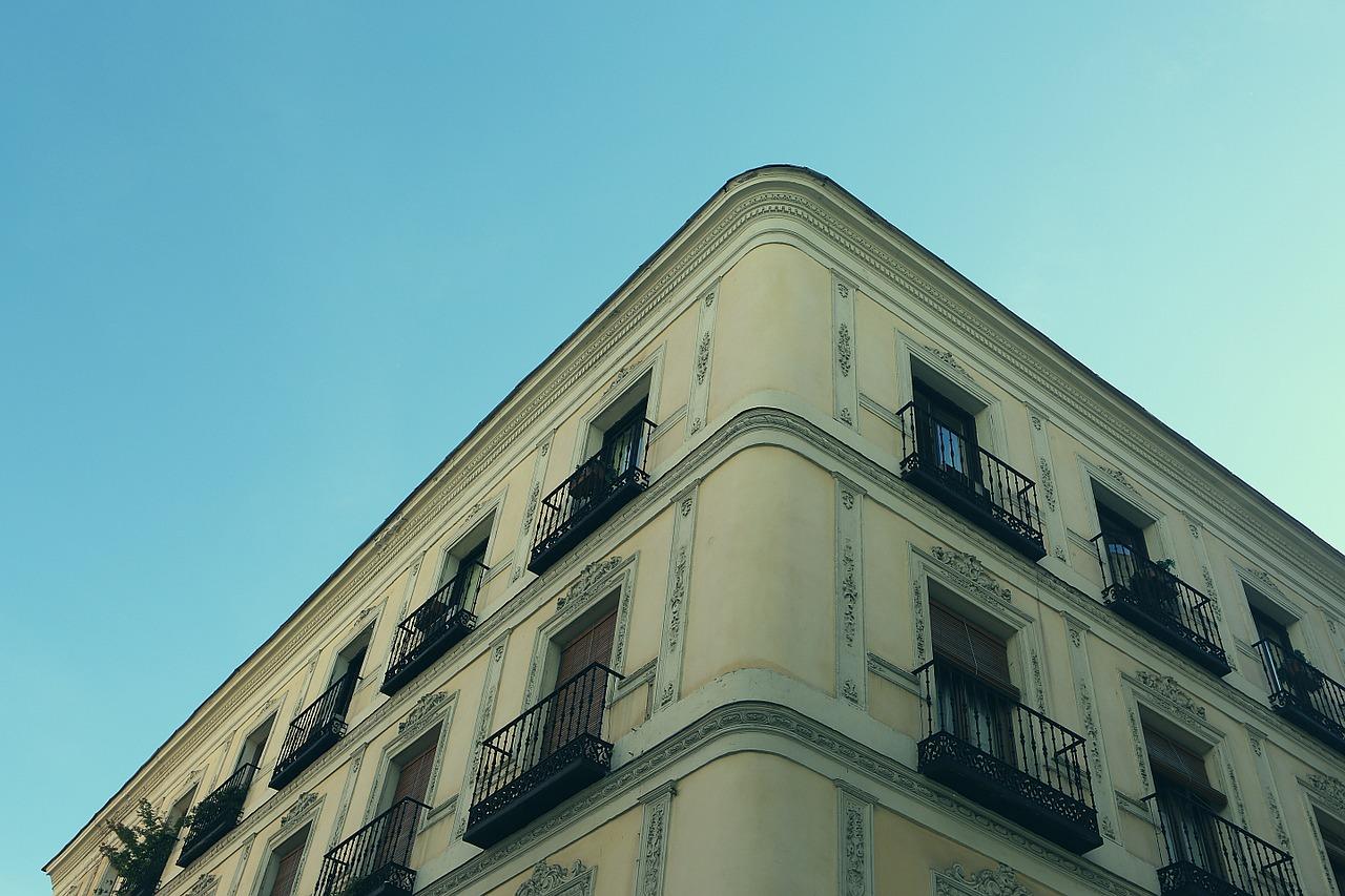 Qu'est-ce qu'une fenêtre à guillotine simple ?