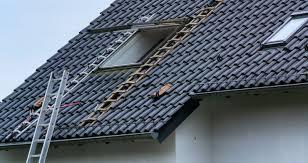 Quel professionnel choisir pour la mise en place de votre fenêtre oblique ?